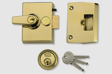 Nightlatch installation by Wembley master locksmith